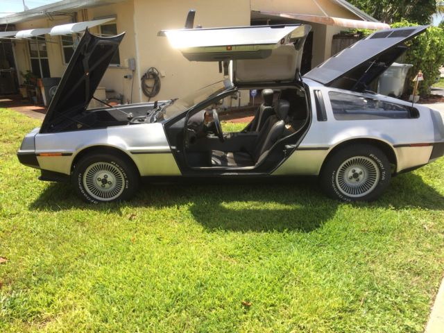 1981 DeLorean DeLorean coupe