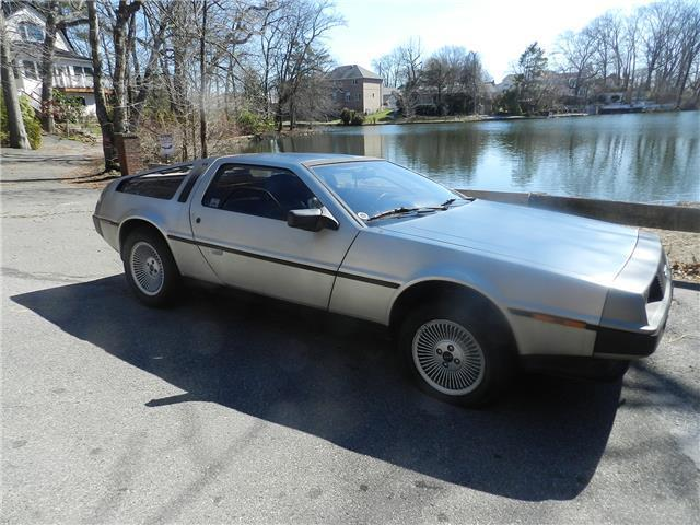 1981 DeLorean DMC-12 --