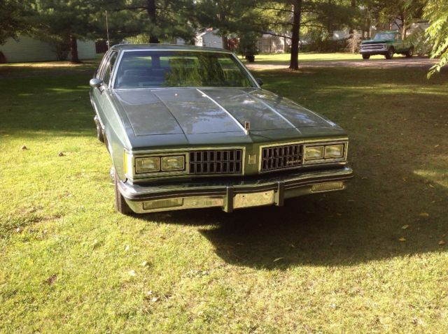 1981 Oldsmobile Eighty-Eight Broughm