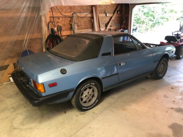 1981 Lancia beta zagato convertible -  w/ salvage title for parts or repai