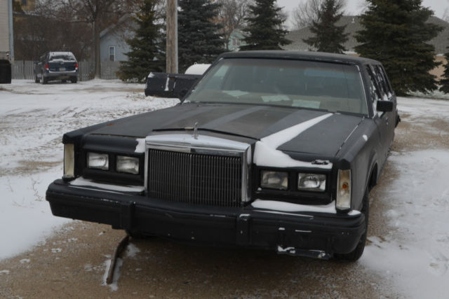 1981 Lincoln Town Car Base Sedan 4-Door