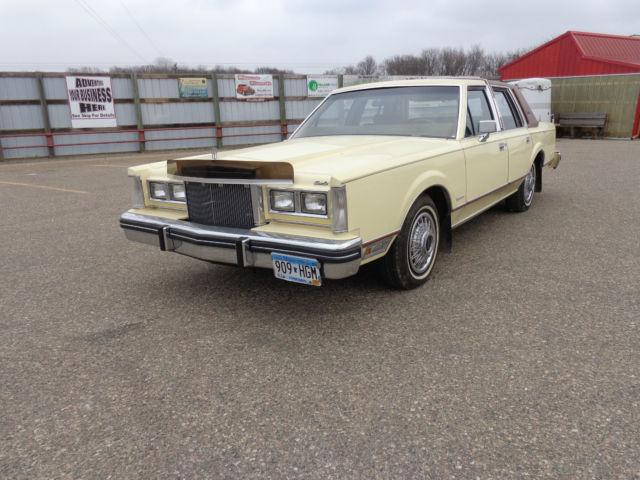 1981 Lincoln Town Car Sedan 4 Door 5 0l Low Mile Original 52k For