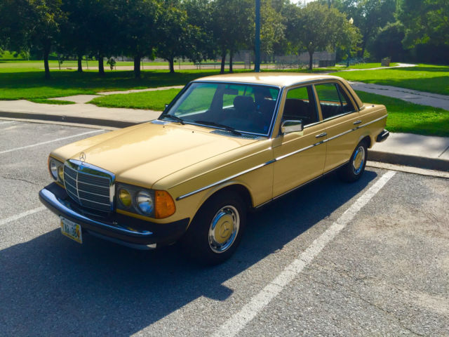 1981 Mercedes-Benz 200-Series