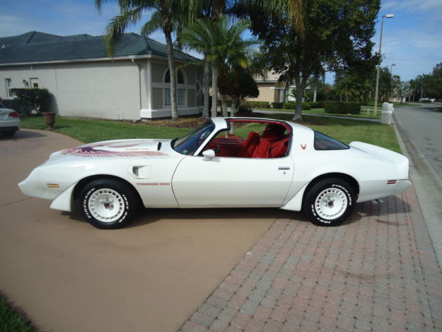 1981 White Pontiac Trans Am TURBO Coupe with Red interior