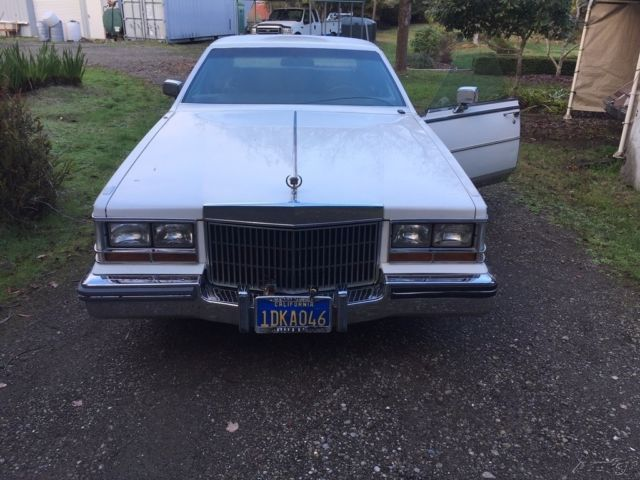 1981 White Cadillac Seville 4 Dr Sedan Sedan with Other Color interior