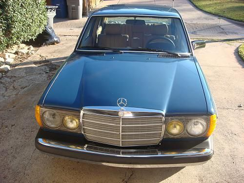 1982 Mercedes-Benz 200-Series-  							 							show original title