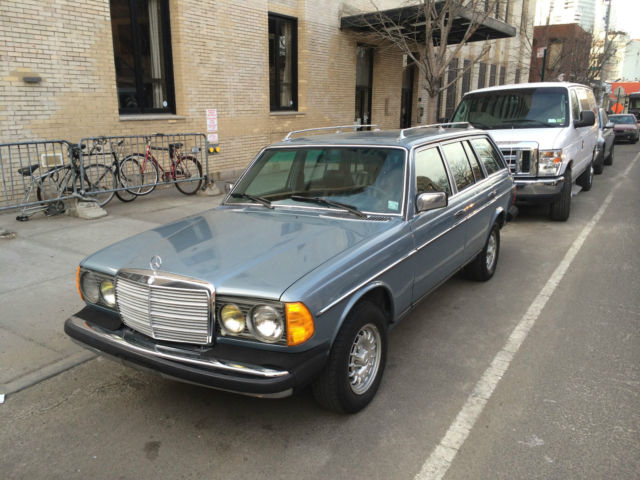 1982 Mercedes-Benz 300-Series 300TDT
