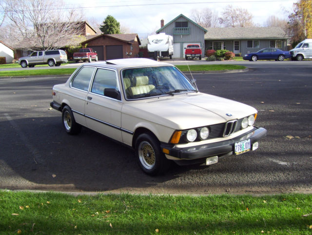 BMW I E VERY ORIGINAL WITH LOW LOW MILES YOU NEED - Bmw 320i 2 door