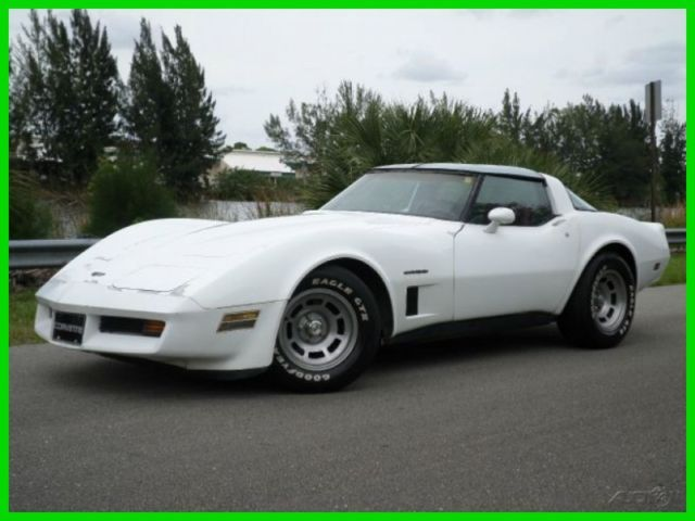 1982 Chevrolet Corvette STINGRAY COUPE CROSS FIRE INJECTION V8 AUTOMATIC