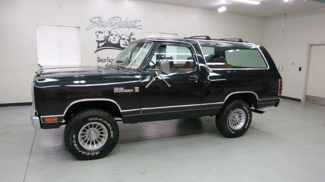 1982 dodge ram charger se royal 4x4 in black high. Black Bedroom Furniture Sets. Home Design Ideas