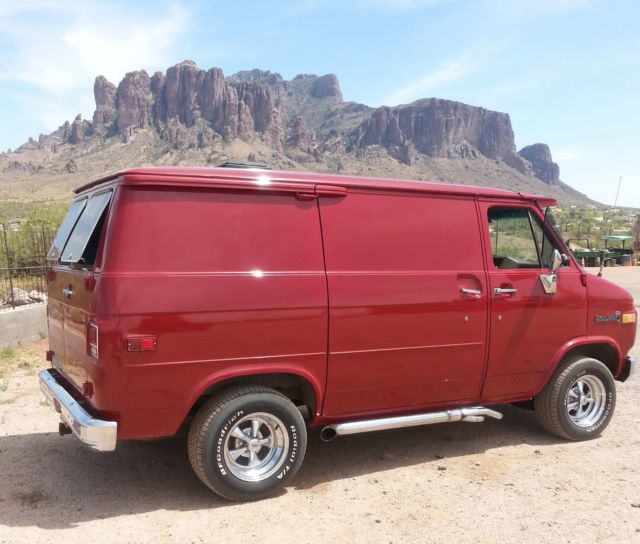 1982 G20 Chevy Van for sale: photos, technical