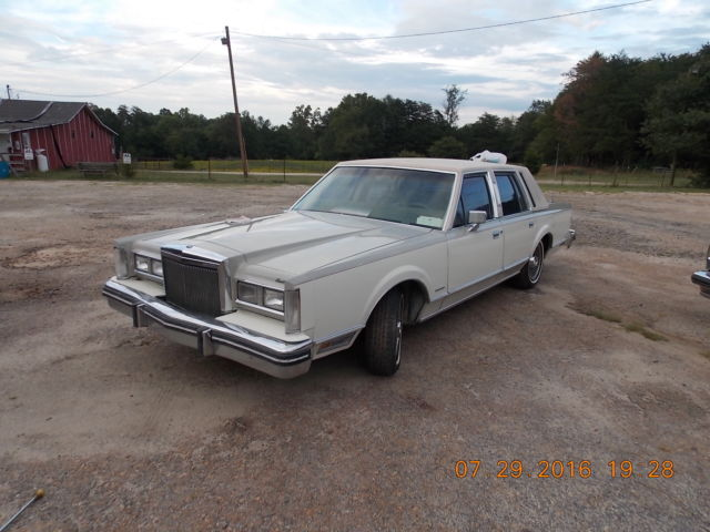 1982 Lincoln Town Car Cartier Signature Series