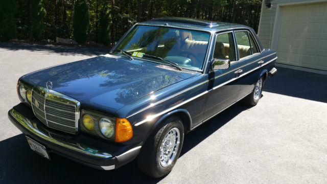1982 Mercedes-Benz 200-Series