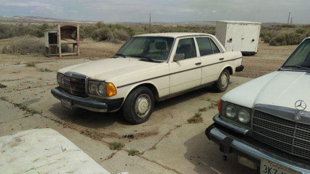 1982 Mercedes-Benz 200-Series 240-D