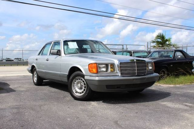 1982 Mercedes-Benz 300-Series 300SD Sedan 4-Door Automatic 4-Speed I5 3.0L