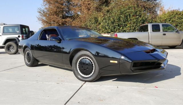 1982 Pontiac Firebird Knight Rider Kitt Car