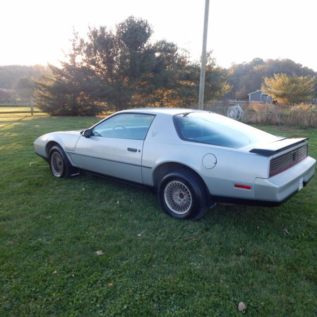1982 pontiac trans am all original 39 000 miles for sale photos technical specifications. Black Bedroom Furniture Sets. Home Design Ideas