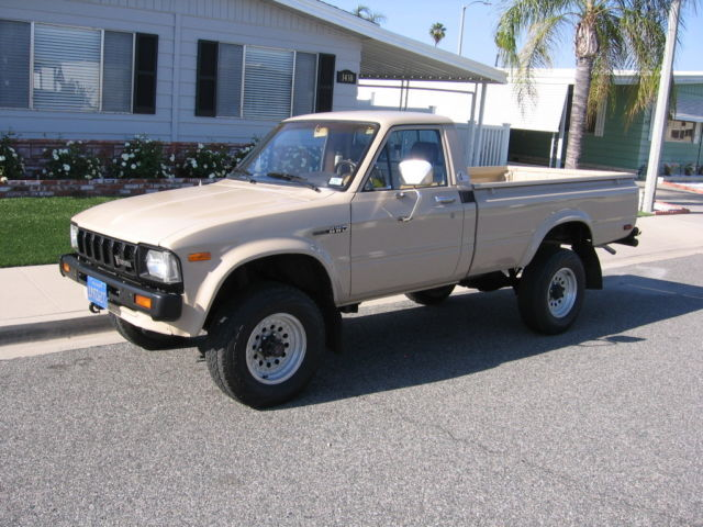 1982 Toyota 4WD Pickup SR5 Long Bed Off Road Rock Crawler 96 pics!