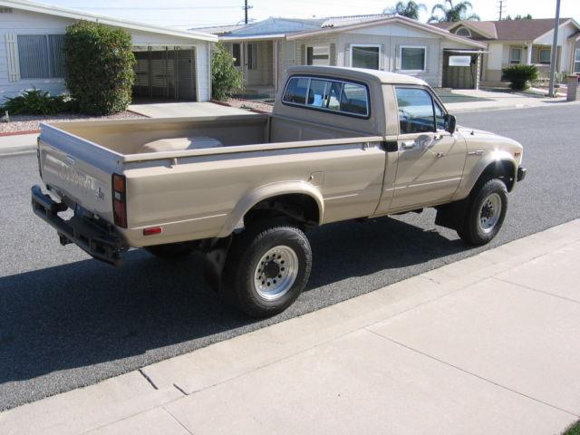 1982 Toyota 4wd Pickup Truck Sr5 Long Bed 4x4 Rare 3 4 Ton