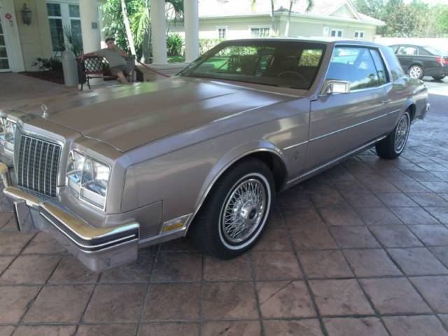 1983 Buick Riviera Base 2dr Coupe