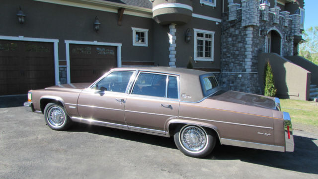 1983 Cadillac Fleetwood Brougham dElegance ONLY 49000 miles