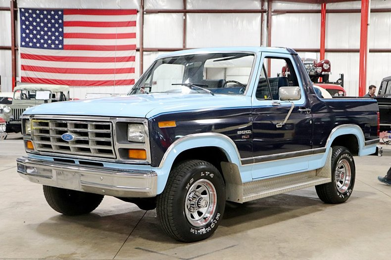 1983 Blue Ford Bronco SUV with Blue interior