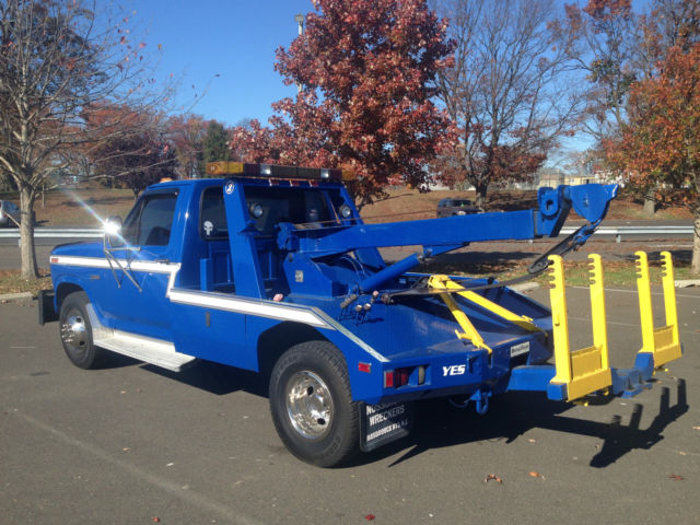 1983 ford f350 tow truck for sale photos technical specifications description. Black Bedroom Furniture Sets. Home Design Ideas