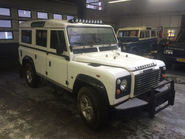 1900 Land Rover Defender 110