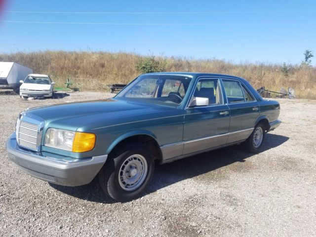 1983 Mercedes-Benz 300-Series Leather