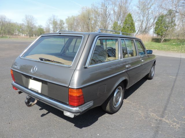 1983 Mercedes-Benz 200-Series 230TE Wagon W123