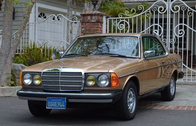 1983 Mercedes 300cd turbo diesel coupe only 162k mls  w