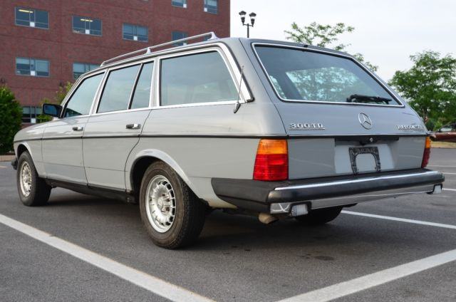 1983 Mercedes-Benz 300-Series