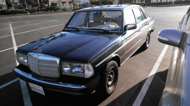 1983 Mercedes-Benz 300-Series 300D