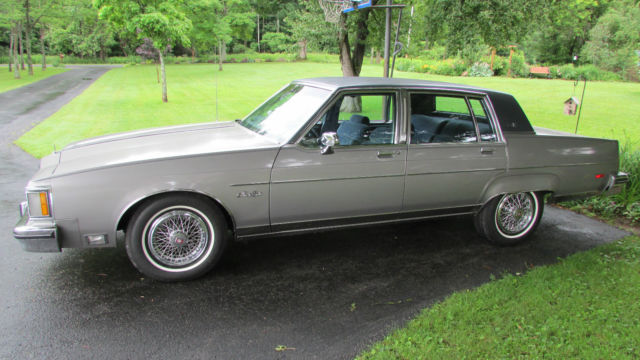 1983 Oldsmobile Ninety-Eight