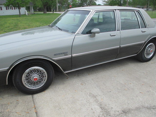 1983 Pontiac Catalina 4 door Parisienne