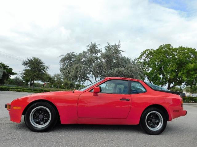 1983 Porsche 944 Base Coupe 2-Door