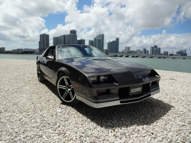 1984 camaro z 28 l69 305 high output engine 5 speed for sale photos technical specifications. Black Bedroom Furniture Sets. Home Design Ideas