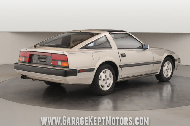 1984 Silver Datsun 300ZX Coupe with Gray interior