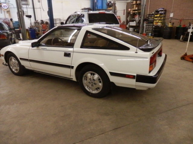 1984 datsun nissan 300zx turbo for sale photos technical specifications description. Black Bedroom Furniture Sets. Home Design Ideas