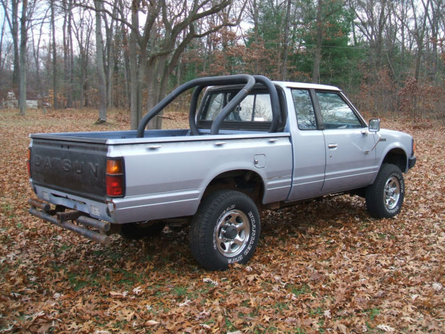 Four Wheel Drive Taxi : Datsun nissan wheel drive extended cab pickup