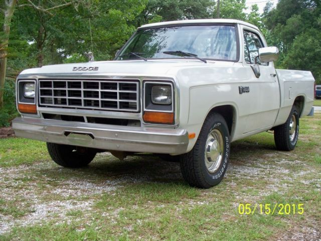 10696 1984 Dodge Ram D100 12 Ton Shortbed Pickup Truck Survivor No Reserve on dodge ram 1500 air conditioning