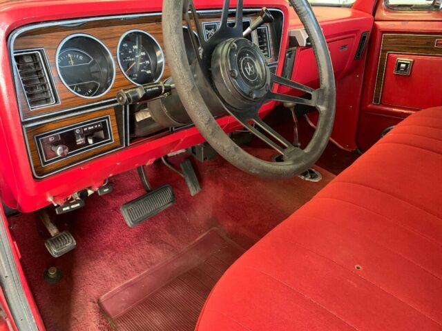 1984 Red Dodge W150 Standard pickup Standard Cab Pickup with Red interior