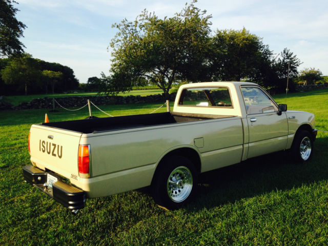 1984 isuzu pup diesel 5speed complete restoration close to. Black Bedroom Furniture Sets. Home Design Ideas