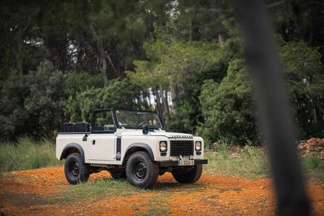 1984 Land Rover Defender Santana 88 Series IIIA