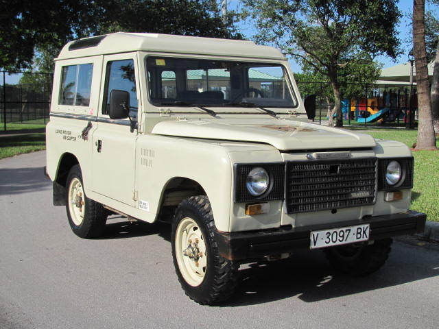 1984 Land Rover Defender Santana 88