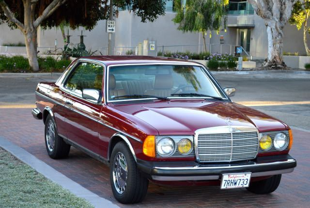 1984 Mercedes-Benz 300-Series W123 300CD 300CDT 300 CD CDT