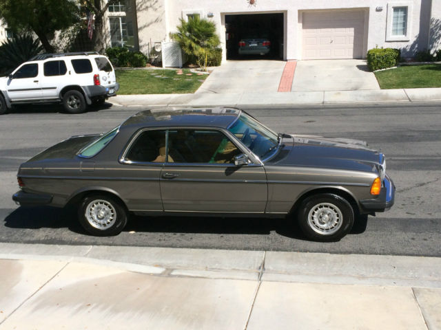 19840000 Mercedes-Benz 300-Series