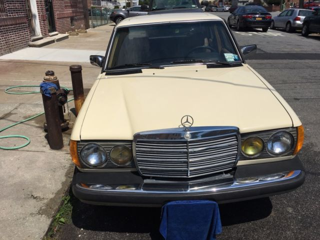 1984 Mercedes-Benz 300-Series 300D