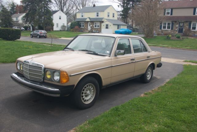 1984 Mercedes-Benz 300-Series Leather