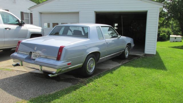 1984 Oldsmobile Cutlass SUPREME 2DR